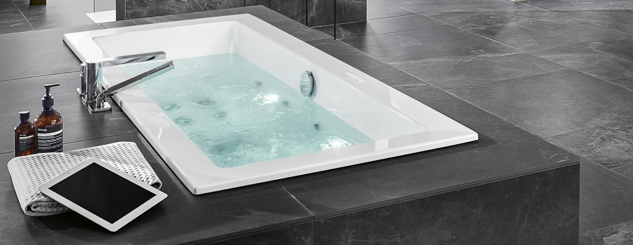 Badewanne der Serie Legato von Villeroy & Boch